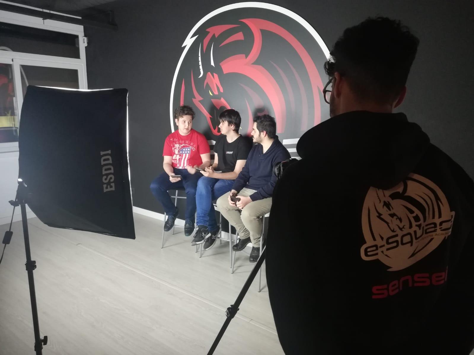 Nuestros alumnos debaten sobre el parche 9.2 de League of Legends